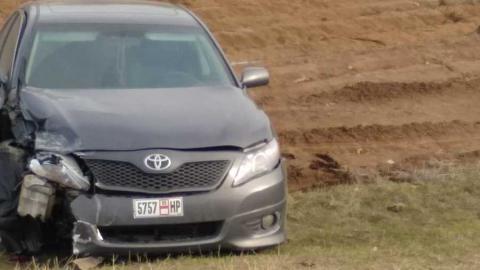 """""""Тойота"""" со странными номерами улетела с трассы после аварии. Фото, видео"""