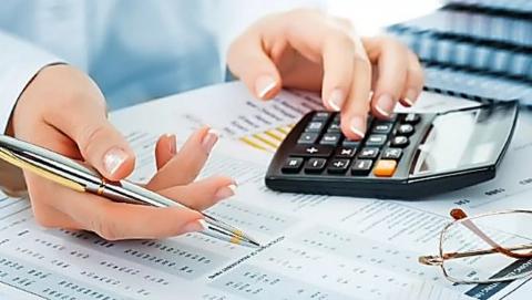 Жители Саратовской области задолжали по имущественным налогам 2,7 миллиарда рублей