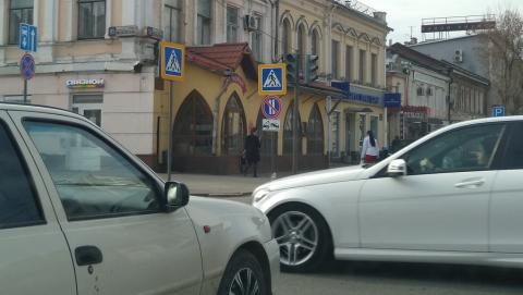 На центральной улице Саратова не работают светофоры