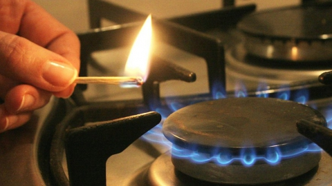 12-летний мальчик обгорел, когда растапливал печь
