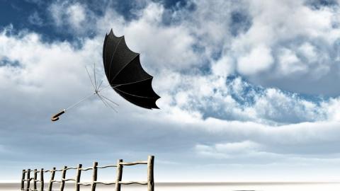Сильный ветер разгонит дожди и облака, но принесет похолодание
