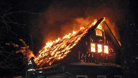 Вечером сгорели две дачи