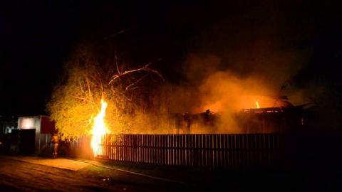 Под утро в Энгельсском районе произошел крупный пожар