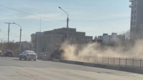 Уборка дороги в Балакове стала причиной пыльной бури