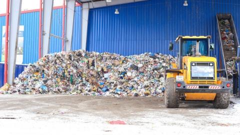 В выходные дни на улицы Саратова выйдет максимальное количество мусоровывозящей техники