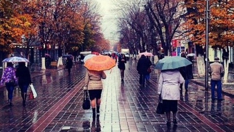 В Саратовскую область возвращаются ливни и сильный ветер