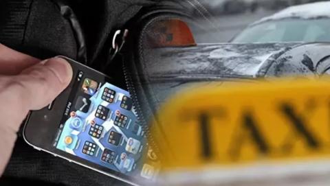 Девушка забыла в такси сумку с телефоном и деньгами и подвела водителя под статью
