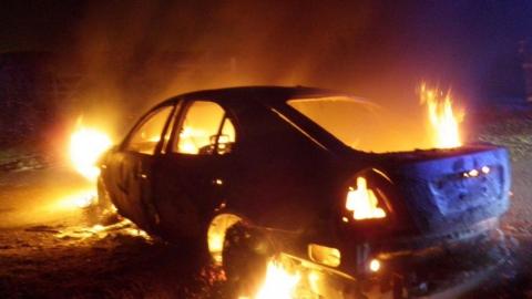 Ночью загорелись четыре автомобиля