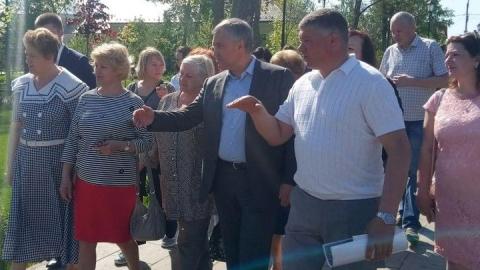 Вячеслав Володин осмотрел реконструкцию вольского городского парка