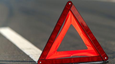 «Нексия» сбила пешехода, перебегавшего дорогу на красный свет