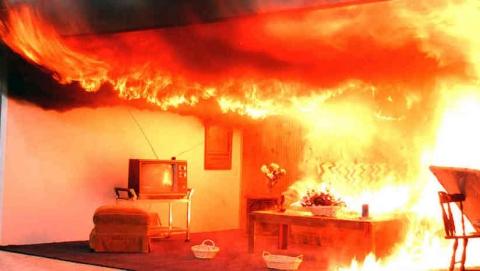В Саратове на пожаре погиб мужчина