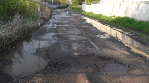 """Жители Лесопильного жалуются на """"убитую"""" дорогу"""