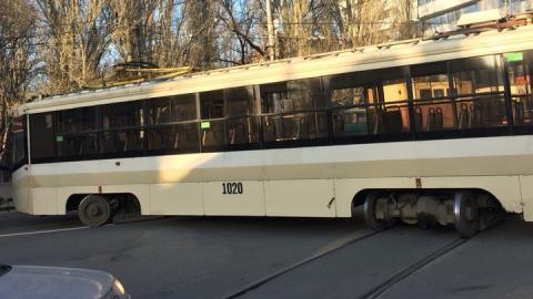 20 минут назад с рельсов сошел трамвай