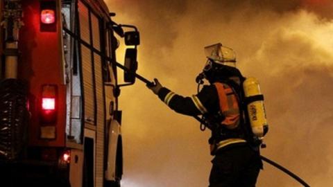 Ранним утром на пожаре в собственной кухне погибла женщина