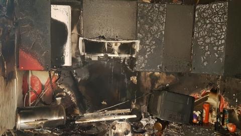 Женщина поставила чайник на плиту, уснула и погибла во время пожара