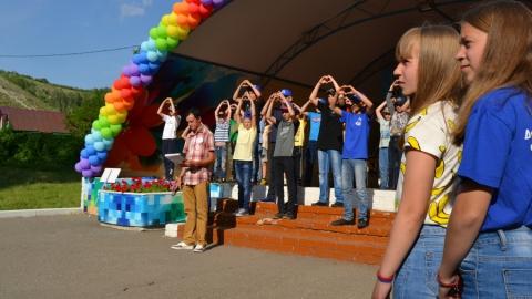 Дети из Саратова смогут отдохнуть в 14 загородных лагерях