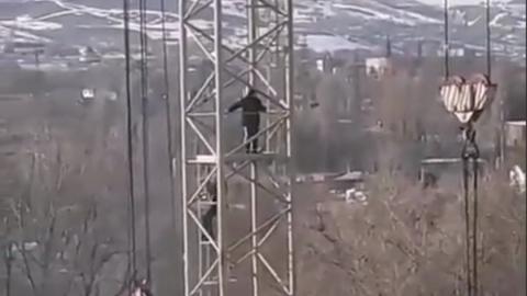Из 18 стройплощадок в двух районах Саратова четыре оказались не огорожены
