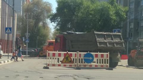 На время реконструкции теплосетей изменилась схема автомобильного движения в центре Саратова