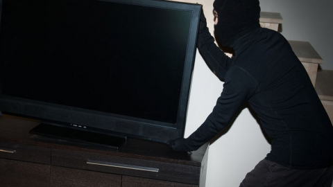 Внук-рецидивист оставил бабушку без телевизора