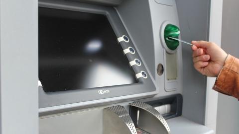Мошенники сняли деньги со счетов двух жителей Саратовской области