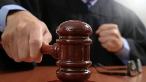 Суд арестовал подростка, подозреваемого в нападении на школу и ранении шестиклассницы