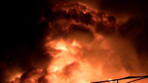 Почти 30 пожарных тушили большое возгорание в Балашове