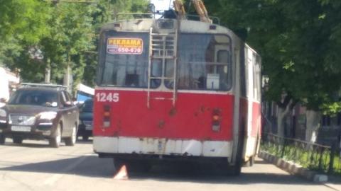 Сломавшийся троллейбус заблокировал проезд к депо