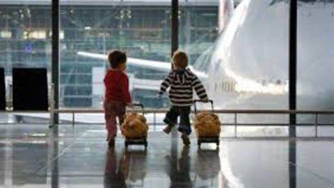 Вступили в силу новые правила выезда детей за границу