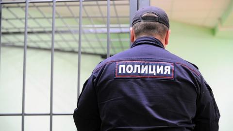 Энгельсского полицейского уличили в подбросе наркотиков в карман подозреваемого