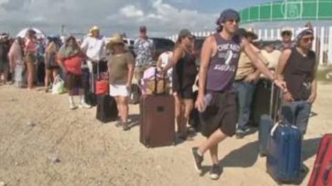 Авиапассажирам напомнили, что они могут требовать у перевозчика при задержке рейса
