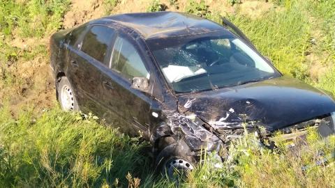"""Форд"" улетел в кювет после столкновения с ""Жигулями"", ранен один человек"