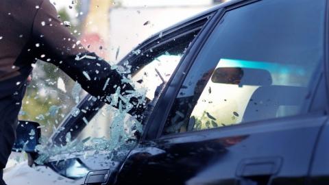 Подростка уличили в краже байкерского снаряжения из машины