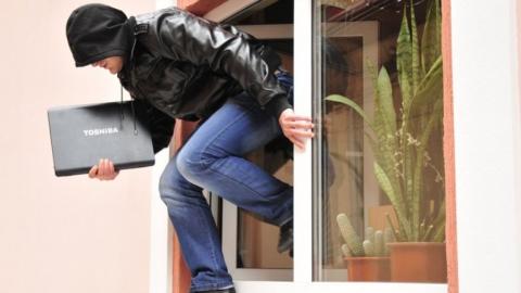 Жителя Тольятти подозревают в краже у квартирной хозяйки
