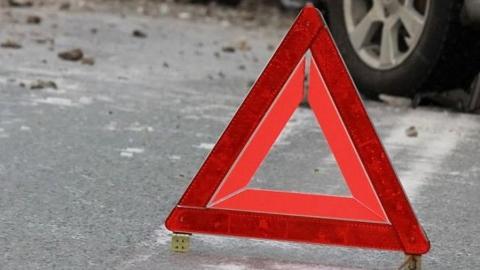 Два ребенка и двое мужчин ранены, женщина погибла в страшной аварии на трассе