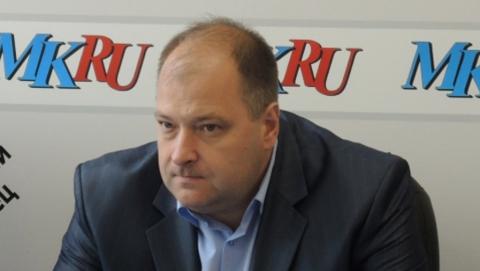 Исаев публично раскритиковал председателя комитета по ЖКХ