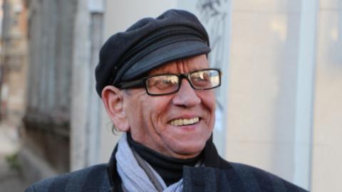 Юрий Ошеров упал в техническую яму в ТЮЗе