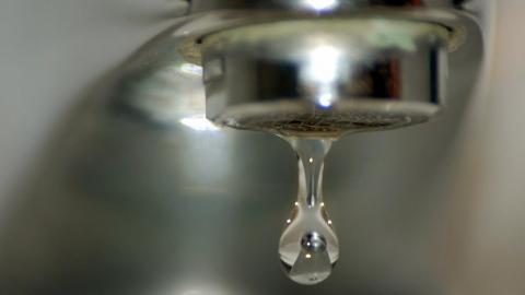 Десяток улиц Саратова остались без воды до вечера