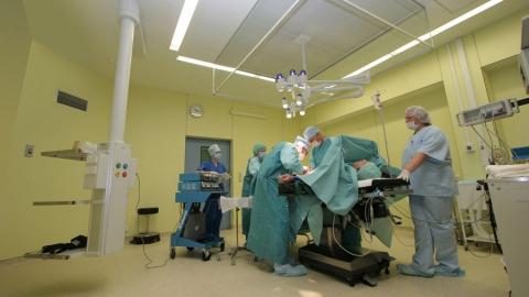 Минздрав разработал правила посещения больных в реанимационных отделениях