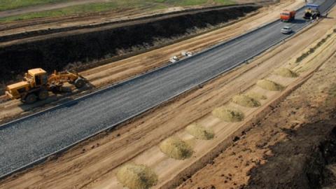 В Энгельсе начали строить объездную дорогу
