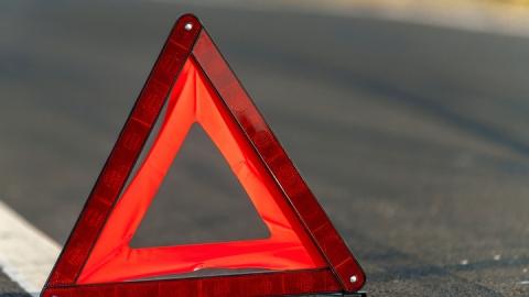 Водитель бросил сбитого пешехода на дороге