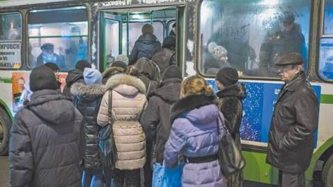 Остановленные в пятницу троллейбусные маршруты вернули