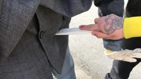Парень попал в больницу после поножовщины на Славянской площади