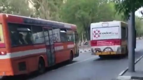 Саратовские автобусы не перевели на безналичную продажу билетов