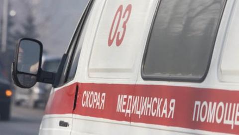 Водитель и два пассажира мотоцикла ранены в аварии с  «Приорой»