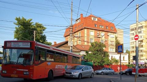 Энгельсский автобус подмял «Киа»
