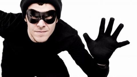 Вор-рецидивист из Квасниковки украл футболки из магазина в «Триумф Молле»