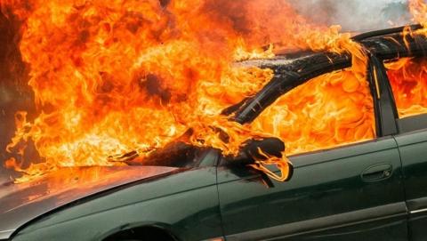 У девушки угнали и сожгли снятую с учёта машину