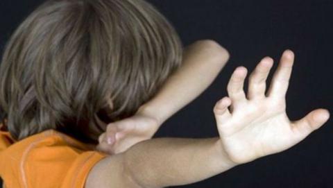Женщины спасли ребенка и пенсионера от пьяного мужчины