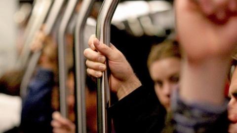 90-летняя саратовчанка упала в автобусе
