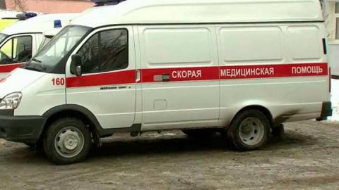 """Водитель и пассажирка """"Мазды"""" - в больнице после столкновения с грузовиком"""